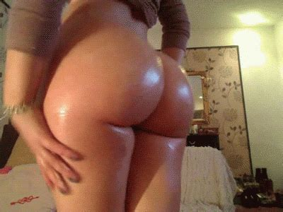 Babe Massaging Lotion On Her Perfect Round Ass And Legs Public Juicygif Com