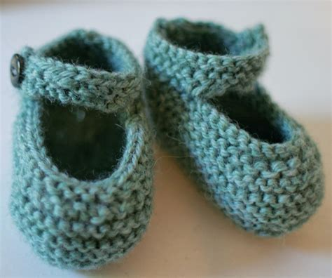 knit baby shoes pattern diy knit baby bootie gift domesticspace
