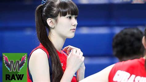 ini dia aksi si sabina altynbekova asal kazakhstan saat memainkan voli