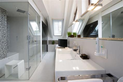 kleines badezimmer umgestaltet bilder himmlische entspannung wellnessoase im dachgeschoss