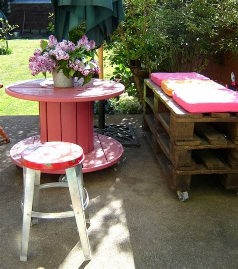 Upcycled Garden Furniture Ideas Wooden Cable Spool Table 40 Upcycled Furniture Ideas