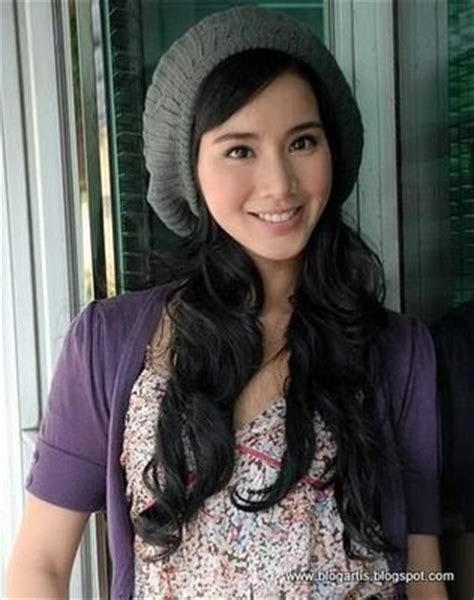 berita terbaru artis hari ini gosip artis indonesia hari ini berita selebritis terbaru