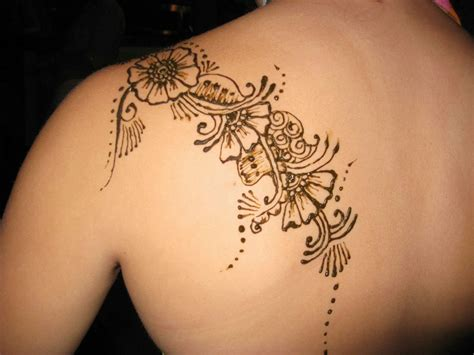 girl back tattoo henna back shoulder for tattooshunt