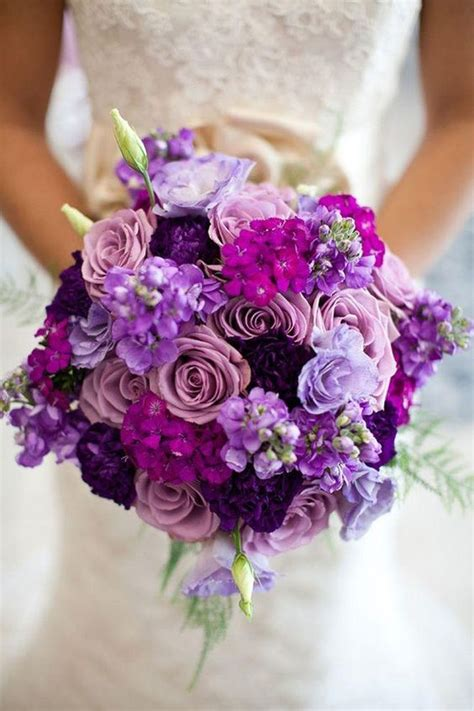 Buket Bunga Mawar Satin Maroon And Gold 10 bouquets de mari 233 e pens 233 s avec des fleurs d automne page 2 sur 2 mariage