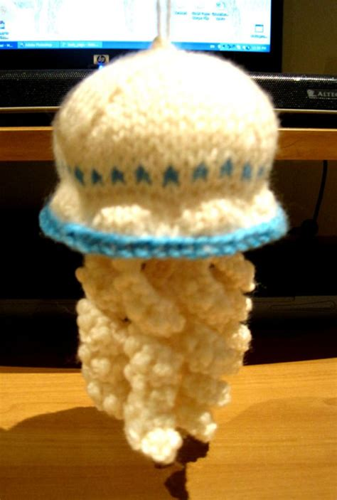 knitted jellyfish knits and bits queenie chan