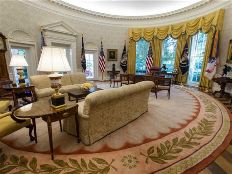 oval office over the years tổng thống trump vừa t 226 n trang lại nh 224 trắng bằng những