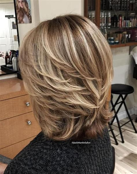 above shoulder layered haircuts 1000 ideas about medium layered hairstyles on pinterest