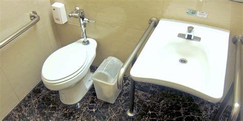 Klobrille Mit Wasserstrahl by Toiletten In Thailand Benutzung Hygiene