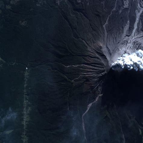 imagenes satelitales volcan la fach entreg 243 nuevas fotos satelitales del volc 225 n