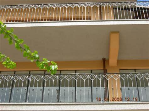 terrazzi con ringhiera ringhiere in ferro battuto ferro battuto recinzioni in