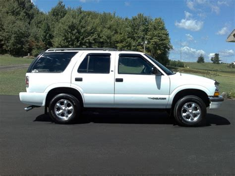 how to learn about cars 1998 chevrolet blazer lane departure warning tyweave 1998 chevrolet blazer specs photos modification info at cardomain