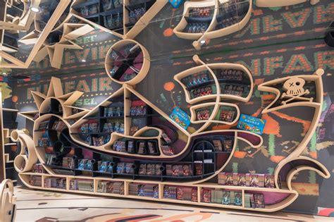 designboom china x living s zhongshuge hangzhou bookstore in china displays