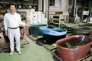 ceramic bathtubs shigaraki potters hand made ceramic tubs brimming with interest the japan times