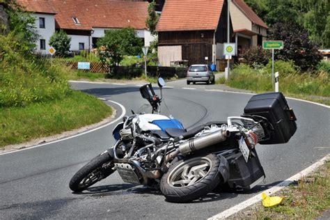 Motorradunfall N Rnberg R Thenbach biker erfasst biker n land