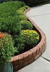 Landscape Edging With Holes Best 25 Brick Garden Edging Ideas On Lawn