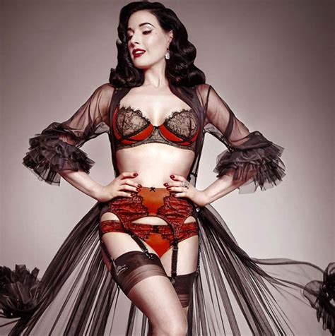 Ditas Models With Glitter And The Uk Premiere Of Liptease by Burlesque Dita Teese Ups The Appeal In