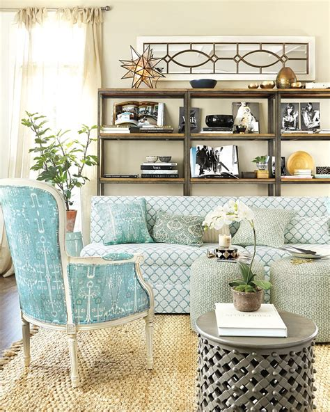 How To Decorate With Pillows by Guide To Choosing Throw Pillows How To Decorate