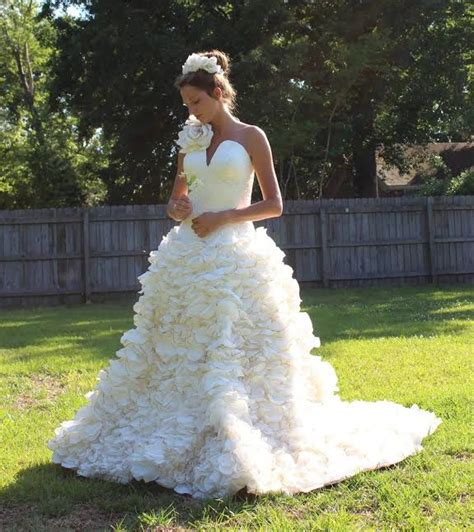 How To Make Toilet Paper Dress - the toilet paper wedding dress contest winners are