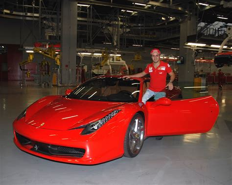 Ferrari Hauptsitz by Felipe Massa Returns To Maranello Autoevolution