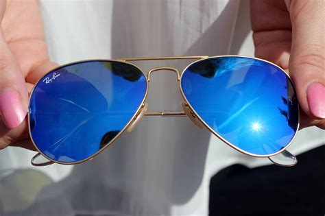 outfit ray ban aviator blue mirror