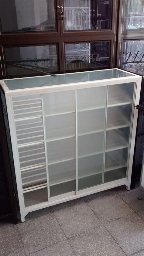 Lemari Kaca Untuk Laboratorium harga lemari kaca minimalis untuk tas penjualan etalase