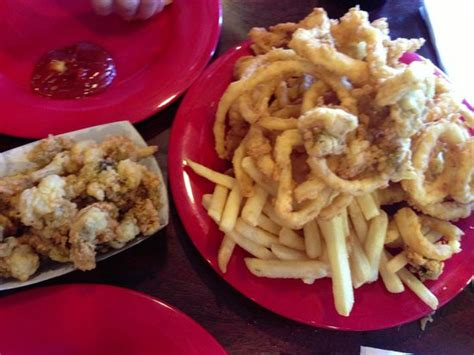 Captains Platter And Fried Clams Picture Of Boston S Boston Fish House New Smyrna