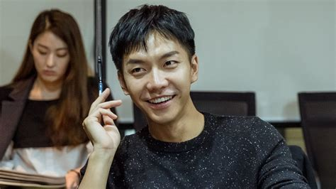 lee seung gi hwayugi quot hwayugi quot drops photos of lee seung gi from first script