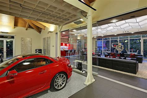 16 Car Garage by 2 Bedroom House In Washington Centered Around A 16 Car