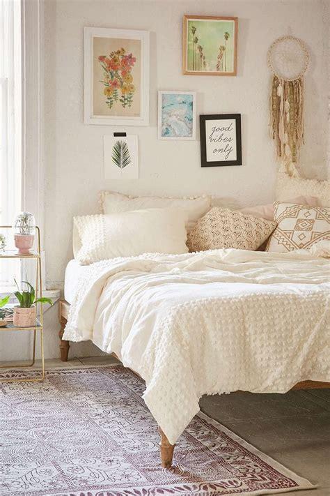 pinterest bedding best 25 ivory bedding ideas on pinterest ivory bedroom