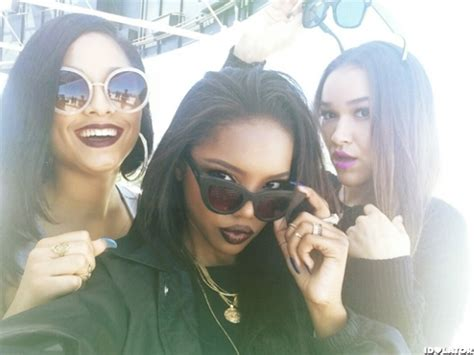 love doll house love dollhouse talk can i their inspirations taking the perfect selfie