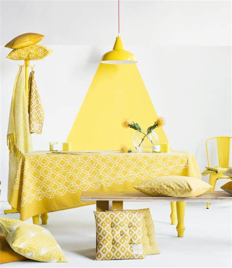 the color yellow decor options for
