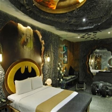 bat cave bedroom 1000 images about we inspire movie bedrooms on pinterest 500 days of summer home