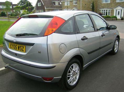 fantastic ford focus mk  lx zetec trim silver