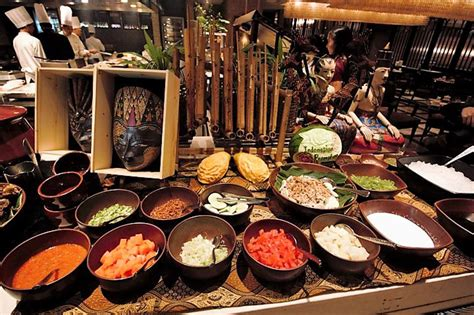 sofitels spiral spices  buffet  indonesian classics