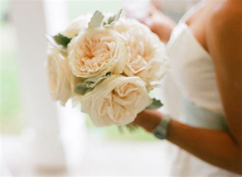 affordable wedding flowers 15 breathtaking affordable wedding flowers everafterguide