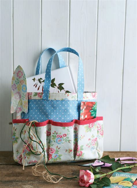 Sewing Pattern Garden Tool Bag | cath kidston fabric gardening tool caddy and knee rest