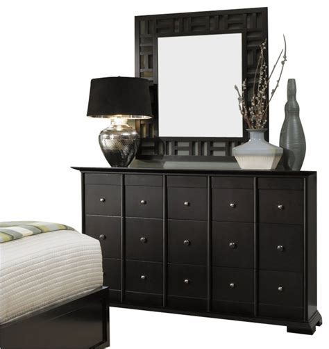 broyhill bedroom dressers broyhill perspectives 9 drawer dresser and lattice mirror