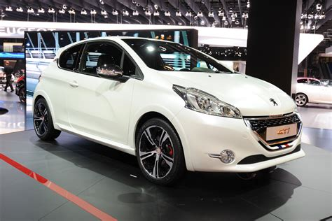 peugeot 208 gti white peugeot 208 gti limited edition revealed auto express