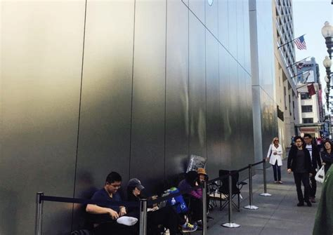 Iphone Countdown Start To Line Up by Lines Start Forming Ahead Of Iphone 7 Launch