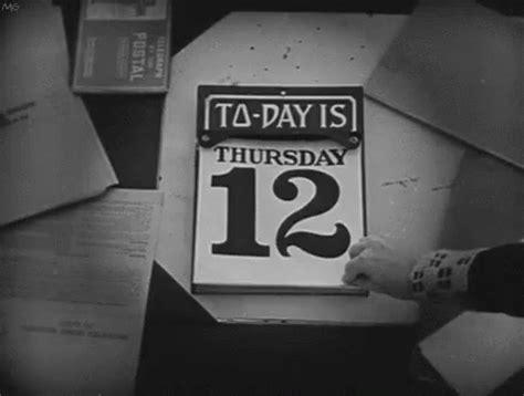 Calendar Gif Calendar Gif Fridaythethirteenth Fridaythe13th