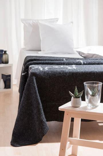 Wohndecke Wolle by Wohndecke Woll Decke Mit Island Umriss Tagesdecke 100