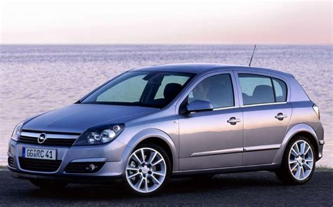 opel astra 2004 opel astra hatchback 2004 2007 reviews technical data