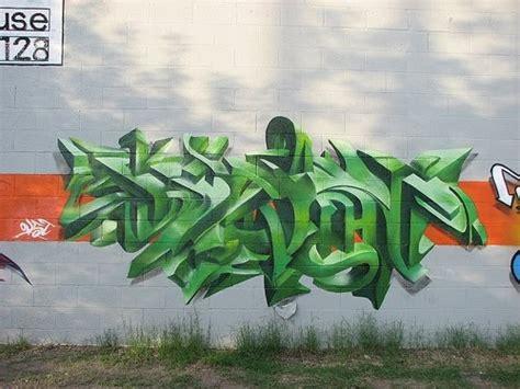 create   graffiti green crazy  arrow graffiti