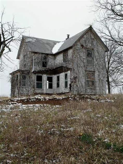old abandoned buildings 100 best old abandoned houses images on pinterest ruins