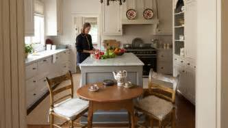 cape cod design style cape cod cottage style decorating ideas southern living