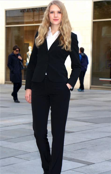 Bewerbungsgesprach Kleidung Frau Vorstellungsgespr 228 Ch Bewerbungs Dress Code Instaff