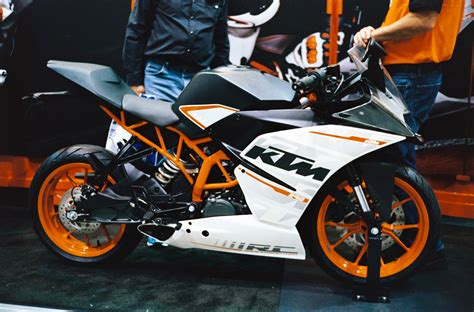 Ktm Bike Wiki File 2015 Ktm Rc390 Right Jpg Wikimedia Commons