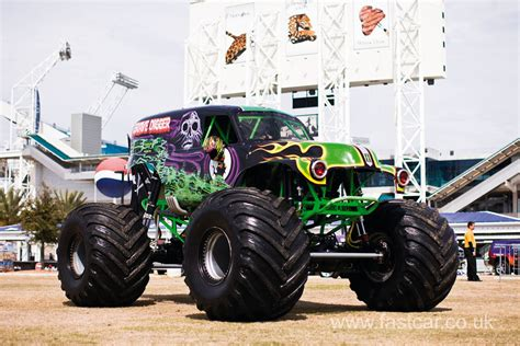 of grave digger truck grave digger truck fast car