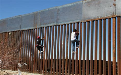 borders fences and walls state of insecurity border regions series books mexico welcomes us idea to make cartels fund wall