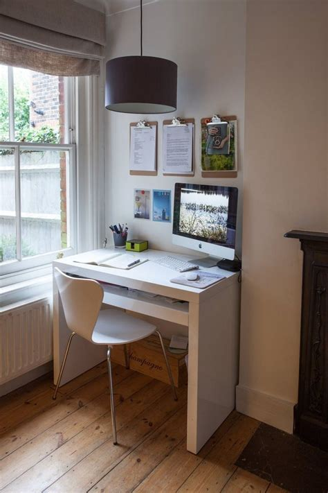Small Desks For Small Rooms 17 Best Ideas About Small Office Decor On Study Room Decor Chic Office Decor And